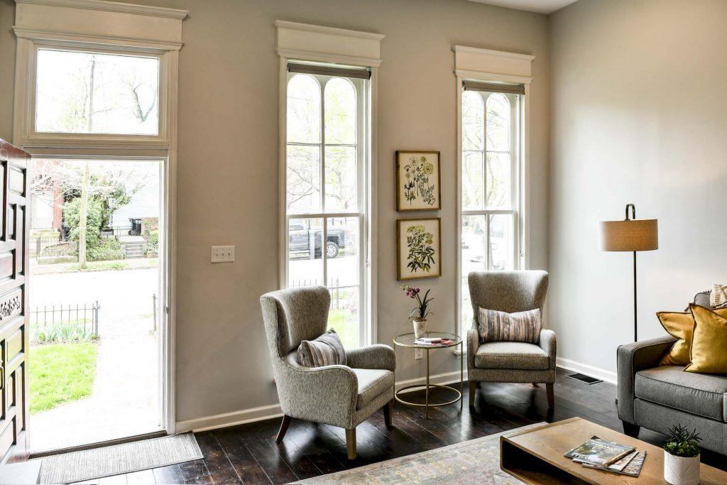 Louisville Home Staging, Louisville Interior Design, Louisville Renovation Design, living room, hardwood flooring, artwork, lighting, area rug, accessories, lighting, winter getaways, vacation properties