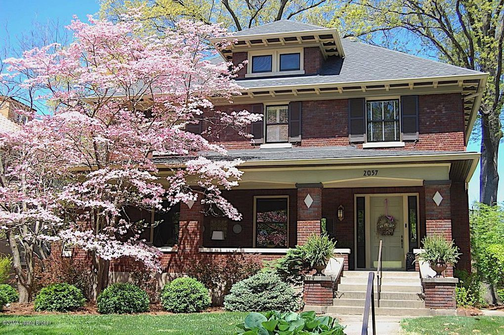 curb appeal, historic highlands home, Louisville Highlands homes, dogwood tree, brick two story, covered front porch